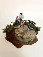 LOST TV Show - The Hatch Light up Diorama and Figurines 2006 Model