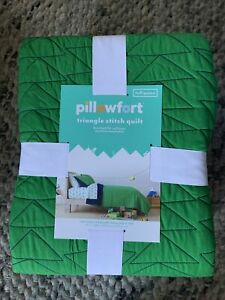 Pillowfort Triangle Stitch Quilt  Full / Queen Green & Blue 88x88 in NEW