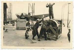 Foto Aufklärungsgruppe 121 Ju 88 Flugzeug 7A+AH WNr. 862 Tatoi Griechenland 1941
