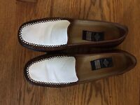 Soft brown white leather loafers Stuart Weitzman 8.5 super - comfortable!