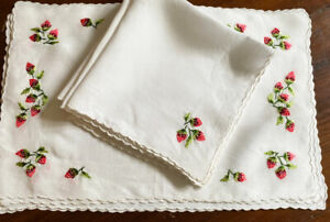 4 Vintage Hand Embroidered Madeira Linen Placemats & Napkins Strawberries WW567