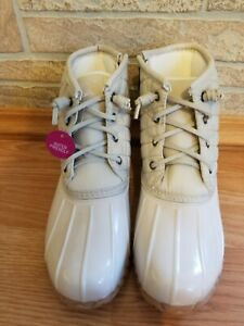 So Wombat Duck Ankle Boots Creme Quilted Zip Waterproof Lace Up Size 8 M NEW