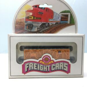 Bachmann N Scale Freight Cars 41' Wood Stock Car Union Pacific