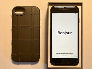 iPhone 8 unlocked 64gb NEAR MINT + Magpul Bump Case