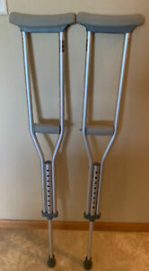"""Guardian Crutches, Height 4'6"""" to 5'2"""", Weight Limit 300 Pounds"""