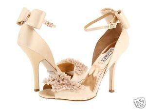 Badgley Mischka Lelah Hochzeit Braut Rüschen Sandalen Schleife Schuhe Creme 10 M