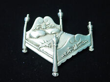 """JJ"" Jonette Jewelry Matte Silver Pewter '4 Poster Double BED' Pin"