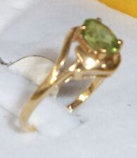 14KT Gold green peridot Hawaiian Diamond Ring 6.5 1.7g