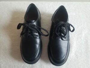 Kids Black Dress shoes laces size 13.5 boys, nonskid barely used