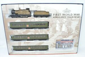 Bachmann OO Gauge - 30-325 Ambulance Train No.40 Train Pack