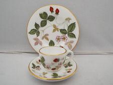 Wedgwood miniature tea/coffee trio-fraise sauvage motif qualité 1st