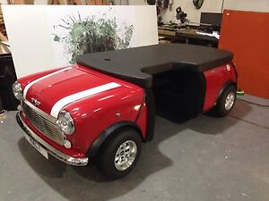 Full Size Classic Mini Desk Reception Perfect For A Car Dealer Or Showroom
