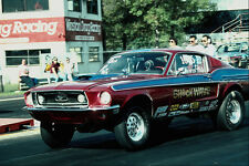 573012 una Antigua Ford Mustang revive la época de Muscle Cars A4 Foto Impresión