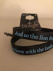 NEW NECA Twilight Rubber Bracelet Lion Fell in Love with the Lamb