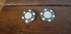 """Novelty Buttons (new) 1 5/8"""" (2) SILVER SCALLOP W/ WHITE DOTS"""