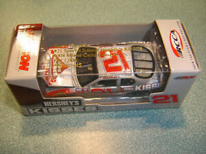 #21 Kevin Harvick Special Edt. HERSHEY'S KISSES 2004 1/64 Action RCCA CLUB NEW