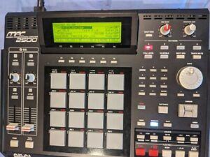 Akai MPC2500 Sequencer Sampler Drum Machine