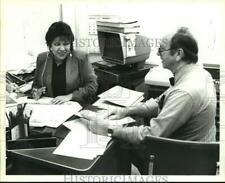 1991 Press Photo Express-News Employees Alma Pacheco and Miles Johnson, Texas