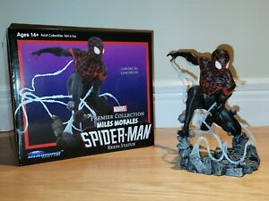 SPIDER-MAN MILES MORALES Premier Collection Statue Diamond Select Toys Marvel