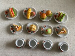 DOLLS HOUSE MINIATURES 16-PIECE PLACE SETTING WITH FOOD