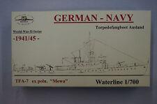 HP Models 1:700 Waterline Deutsches Torpedofangboot Ausland  TFA-7  -1941/45-