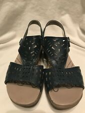 Bare Traps Jordy Blue Sandals Size 5.5 M Leather Upper T Strap Ankle Casual Work