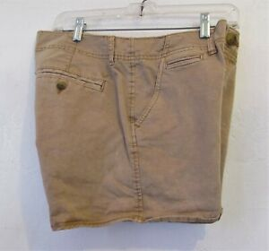 Low Rise KHAKI Shortie Stretch Shorts By AMERICAN EAGLE.10