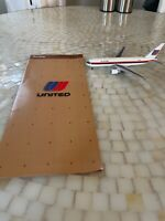 Rare United Airlines 767 1/400 model with Brochure