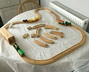 Brio Children's Train Track, Tunnel, engine and carriages