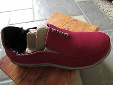 NEW CUSHE SURF SLIP CANVAS FLATS SHOES WOMENS 6 RED CANVAS SLIP ONS FREE SHIP