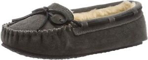 Minnetonka Women's Cally Faux Fur Slipper Grey US 10 M
