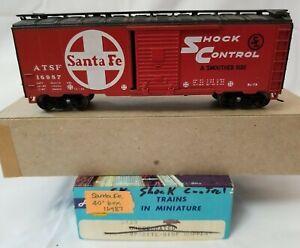 "ATHEARN HO 40' BOXCAR SANTA FE ""SHOCK CONTROL"" ATSF 16987 - RTR w/ UPGRADES"