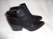 Simply Vera Wang Svchelsa Black Boots 8.5 Women's