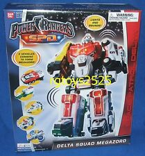 Power Rangers SPD Deluxe DELTA SQUAD Megazord New  Factory Sealed 2004