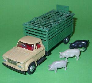 Corgi / 484 Dodge Kew Fargo Livestock Transporter & Pigs Etc
