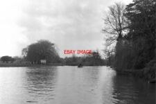 PHOTO  1975 RIVER AVON ABOVE STRATFORD LOCK A SMALL LAUNCH AND SEVERAL ROWING BO