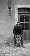 Homme debout avec chien - ancien négatif photo c.1930
