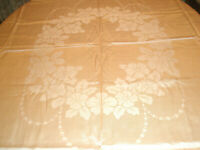 Vintage Tablecloth and 8 Napkins 64 x 77