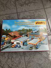 Plastoy 5 Gebäudebausätze H0 für Modelleisenbahnen Güterumschlag Kleingewerbe