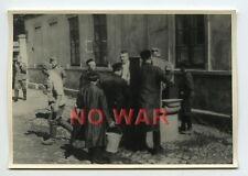 1940 ORIGINAL OLD PHOTO GERMAN SOLDIERS & JEW JEWISH CIVILIANS IN GHETTO POLAND