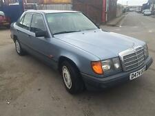 1986 Mercedes-Benz 230E STARTS AND DRIVES SPARES OR REPAIRS