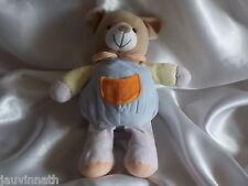 Doudou ours bleu, poche orange, grelot, CP International
