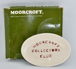 Boxed Moorcroft Collectors Club Pin/Trinket Dish - Cream with Burgundy Writing