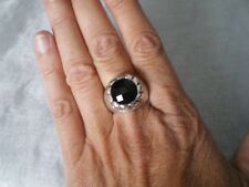 Black Onyx ring, 7.57 carats, size P/Q, set in 10.8 grams of 925 Sterling Silver