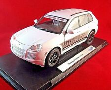 PORSCHE CAYENNE TURBO, WHITE WELLY 1/18 DIECAST CAR COLLECTOR'S MODEL , NEW