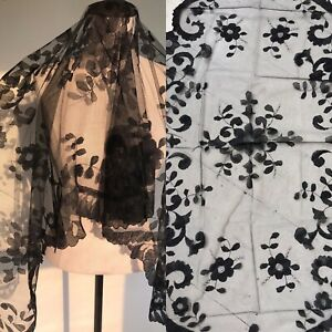 """70"""" Antique Victorian Embroidery Black Chantilly Lace Large Flowers Veil Shawl"""