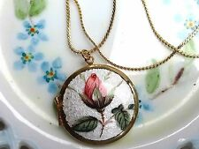 #B19 Vintage Sarah Coventry Guilloche Necklace Locket Rose Flowers Gold Large