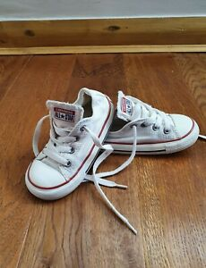 Baby Boys/Girls White Converse Trainers Size 7