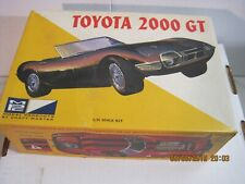 Vintage MPC Toyota 2000 GT 1:25 scale model kit 404-200.