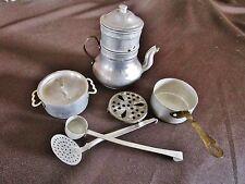 lot d'accessoires-jouets cuisine-dinette-cafetière-aluminium-cooker toy-vintage